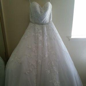 Angelos Bridal